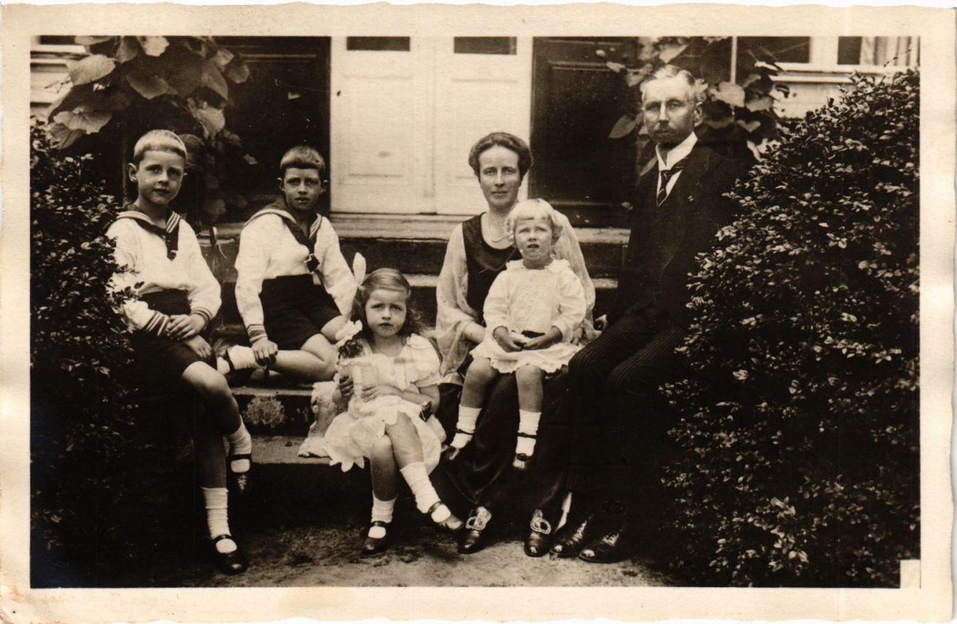 CPA-AK-Prinzenpaares-Oskar-v-Preussen-Familie-GERMAN-ROYALTY-867965