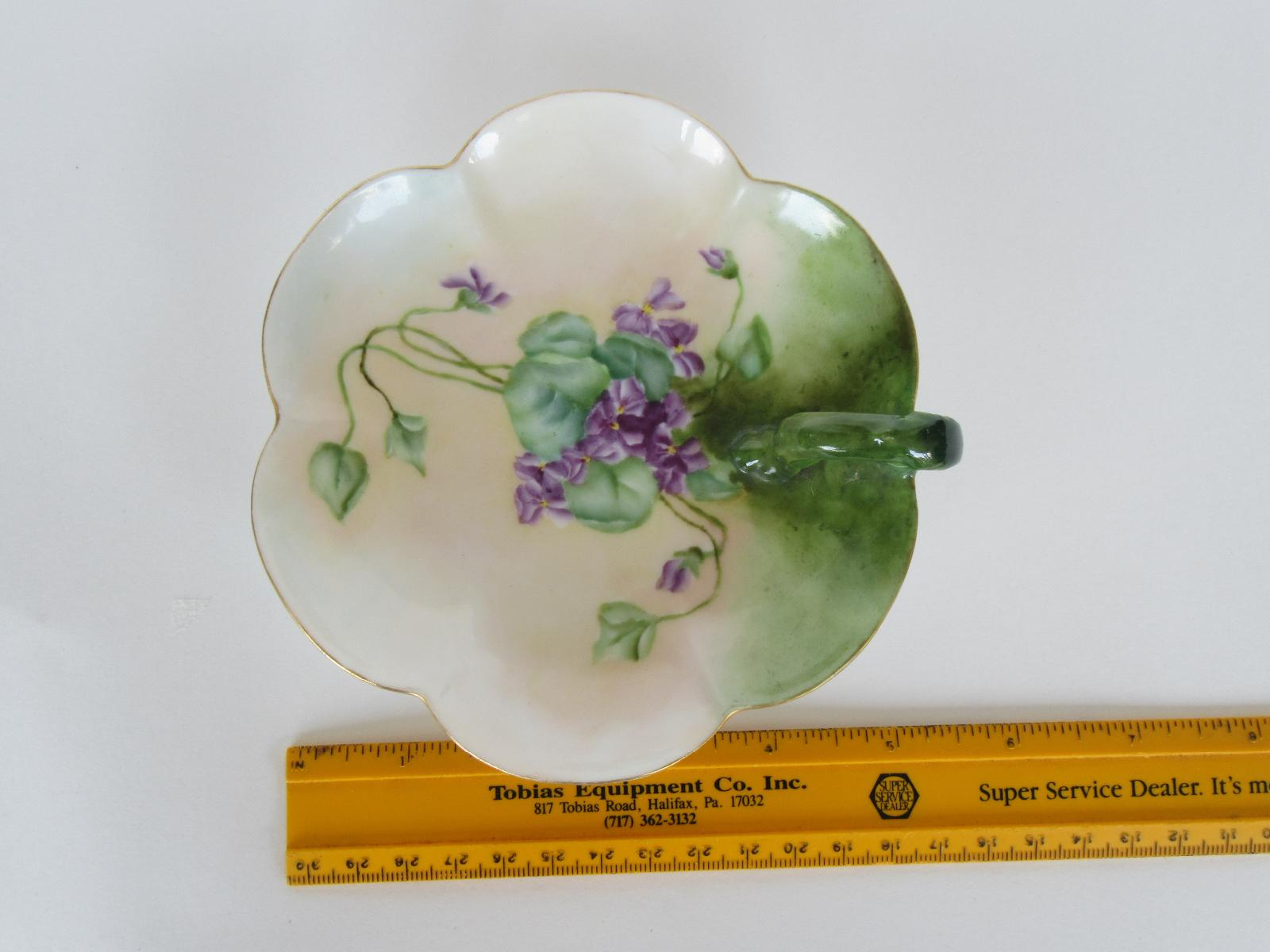 Beautiful T/&V LIMOGES France Leaf Dish with Painted Almonds